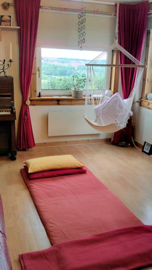 Reiki can be performed on the floor